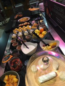 buffet-desserts-restaurant-campanile-la-porte-verte